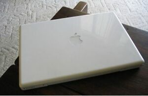 13 inch Macbook (w/ New Battery)