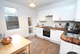 Amazing 2 bed house Crofton Park!! Avaialble asap!!!