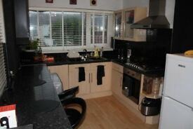 Lovely three bedroom house available to rent