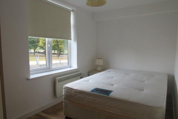 NORTHOLT 2 BEDROOM FLAT - BOTH DOUBLE ROOMS!! WITH PRIVATE GARDEN!! ONLY £1275