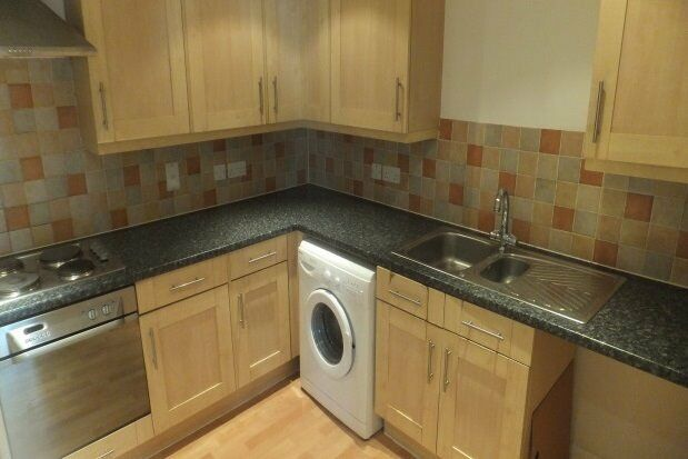 STUNNING 2 DOUBLE BEDROOM FLAT AVALIABLE IN HAYES £1075 VERY HIGH DEMAND!!!!!!