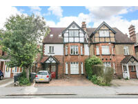 STUNNING 2 Bed Period Conversion With Parking - 5 mins walk to East Croydon