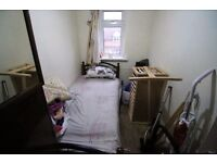 1 bedroom in Hibernia Road, HOUNSLOW, TW3