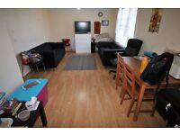 2 bedroom flat in Legrace Avenue, HOUNSLOW, TW4