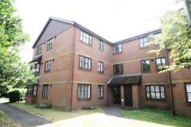 2 bedroom top floor flat for rent Stanwell
