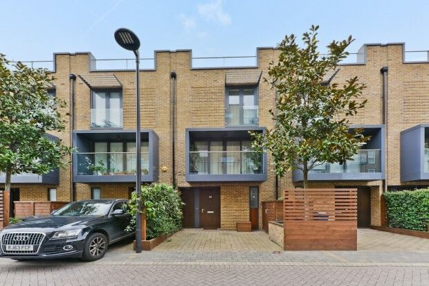 4 bedroom house in Bromyard Bromyard Avenue, East Acton, East Acton , W3