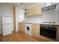 2 bedroom flat in Gosfield Road, Dagenham, RM8