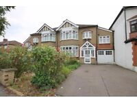 Spacious 6 Bedroom House South Woodford