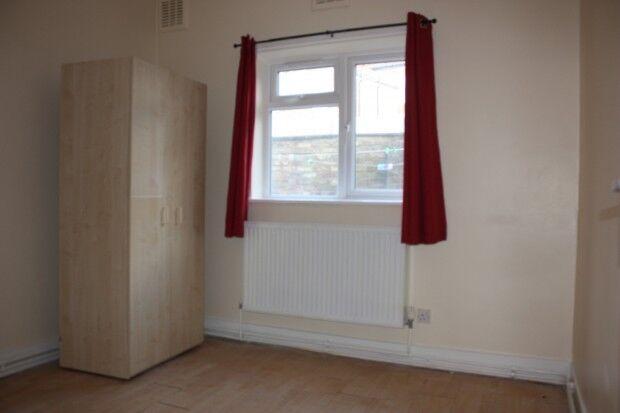 2 bedroom house in Ground Floor Bravington Road, London, W9