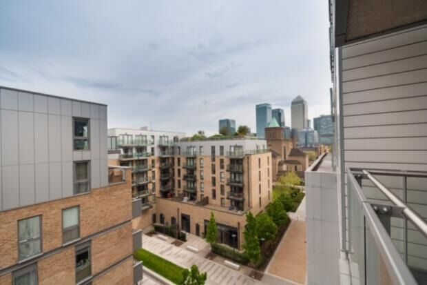 Stunning 2 Bedroom Flat to Rent in New Festival Quarter E14 - Very Easy Access to Canary Wharf