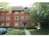 One Bedroom Flat with Parking - Bath Road, Bristol