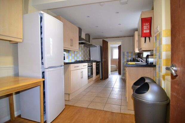 9 bedroom house in Lodge Road Porstswood, Southampton, SO14