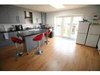 4 bedroom house in Pears Road, HOUNSLOW, TW3