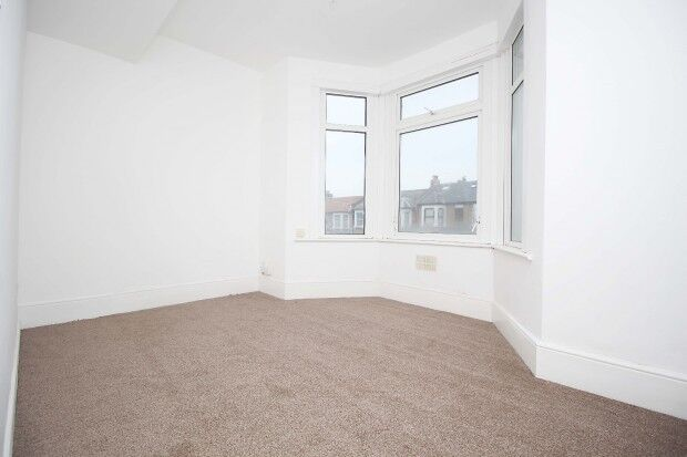 2 bedroom flat in 37 Selborne Road, Ilford, IG1