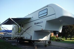 2003 Glendale Titanium 29E34, overall length 35', Rear Kitchen