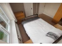 1 bedroom in Chiltern Crescent - Room 3, Earley, Reading, RG6