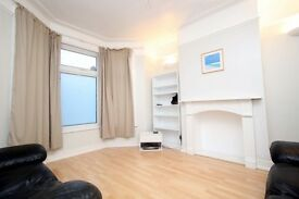 3 bedroom house in Lambourne Road, Ilford, IG3