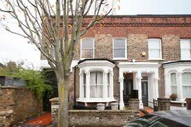 3 bedroom house in Corbyn Street, London, N4