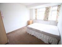5 bedroom house in Meadow Road, HANWORTH, FELTHAM, TW13