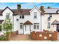 3 bedroom house in Main Avenue, Bush Hill Park, ENFIELD, Middlesex, EN1