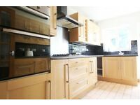 3 bedroom house in Harrold Road, Dagenham, RM8