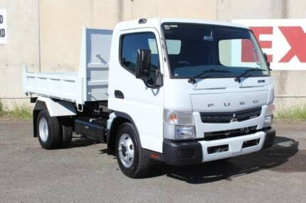 Fuso Canter 715 Wide Cab Tipper (FEJ30141)