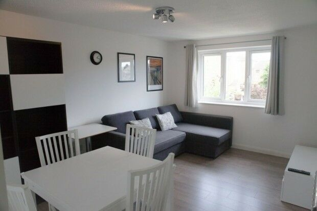 1 bedroom flat in Ringwood Gardens, London, E14