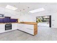 6 bedroom house in Ferndale Road, London, SW4