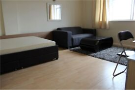 2 bedroom flat in West Kensington Court, Kensington, W14