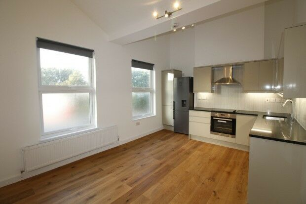 2 bedroom flat in Kilburn Park Road Kilburn Park Road, London, NW6