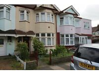 3 bedroom house in Brockenhurst Gardens, Ilford, IG1