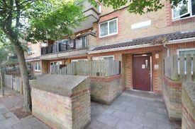 1 bedroom flat in Staveley Close, Peckham, SE15