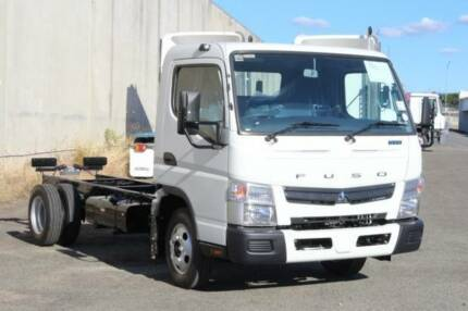 Fuso Canter 515 Wide 5 Speed Manual Cab chassis (FEJ31512)