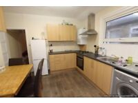 3 bedroom flat in Nutwell Street, Tooting, SW17