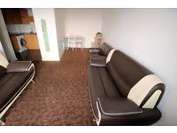 2 bedroom flat in Blenheim Centre Prince Regent Road, HOUNSLOW, TW3