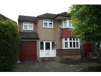 Stunning Large Double Bed Room En-suite available for immediate move / Kenton- £ 650 / MONTH .