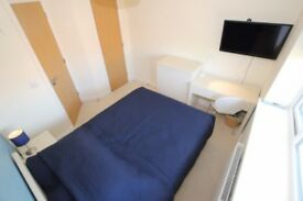 1 bedroom in The Drive, Reading, RG6
