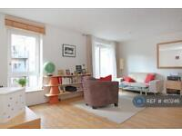 1 bedroom flat in Hereford Road, Bow, London, E3 (1 bed)