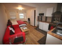 1 bedroom flat in Bath Road, HOUNSLOW, TW5