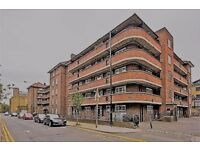 ALL INCLUSIVE!! FOUR BEDROOM FLAT IN SHOREDITCH!!! CALL NOW