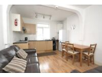 *** PERFECT FOR SHARERS *** FOUR BEDROOM APARTMENT IN CROUCH END, N8 - AVAILABLE 9TH SEPTEMBER ***