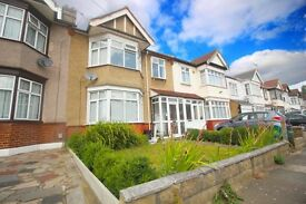 3 bedroom house in St. Edmunds Road, Ilford, IG1