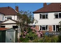 3 bedroom house in Meadow Lane, Haywards Heath, RH16 (3 bed)