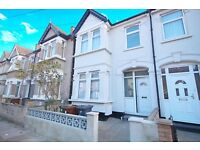 5 bedroom house in Victoria Road, Barking, IG11