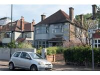 4 bedroom house in Mount Pleasant Road, London, NW10