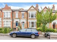 4 bedroom house in Claremont Road, Highgate, N6