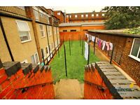 Studio flat in Dunstable Road, Bury Park, LU4