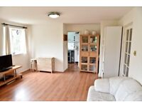 2 bedroom house in Burket Close, Southall, UB2