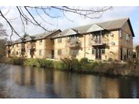 2 Bedroom Flat - CanalBank, St Johns Woking. Stunning idyllic location on the water!