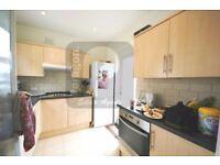 5 bedroom house in Hillway, Kingsbury, NW9